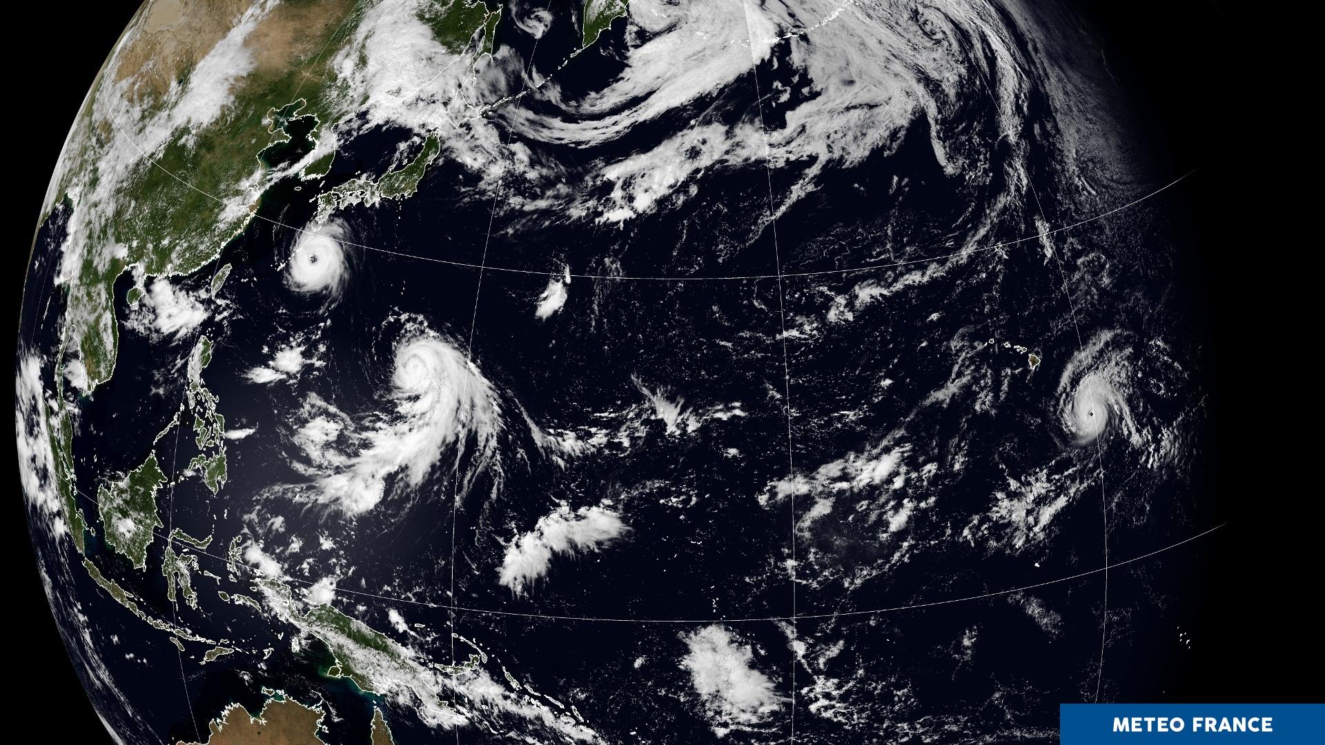 Trio de poids lourds sur le Pacifique !