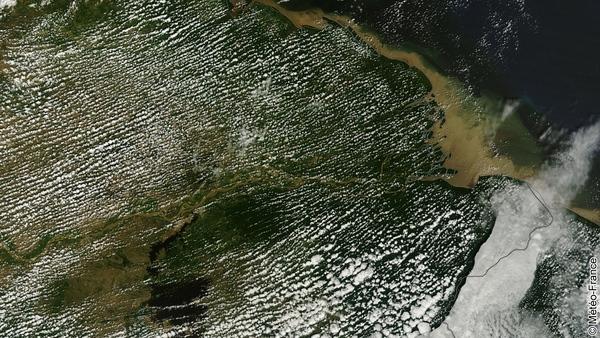 Rues de nuages au-dessus du Venezuela