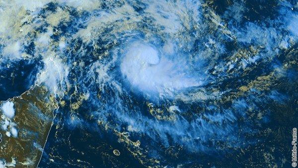 Formation d'un nouveau phénomène tropical