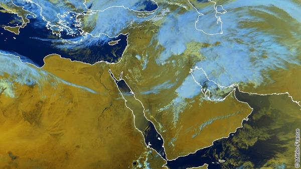 Cellules orageuses en Arabie Saoudite et en Irak