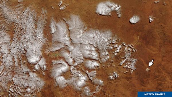 Quelques nuages au-dessus des terres de feu australiennes