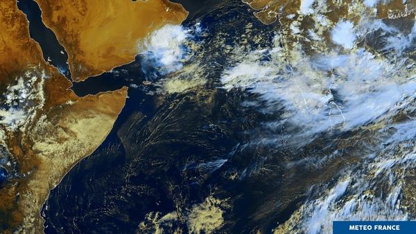 Nombreux nuages entre l'Afrique et l'Asie