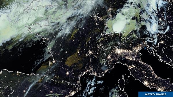 Même nuit mais phénomènes météorologiques très distincts