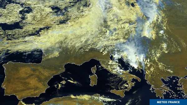 Evacuation de la goutte froide sur l'Adriatique.