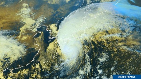 Typhon Lan en approche du Japon