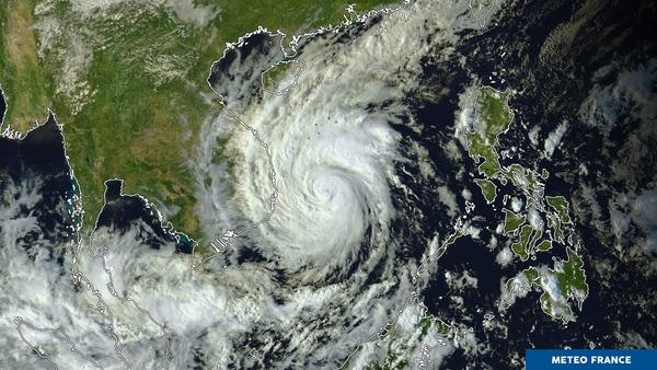 Le typhon Damrey s'approche des côtes
