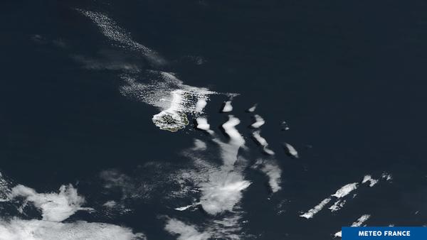 Petite île du Pacifique et effets orographiques