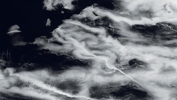 Ondulations fantomatiques sur le Pacifique
