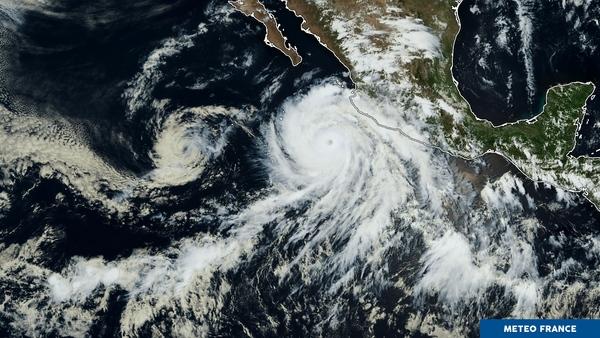Une paire d'yeux sur le Pacifique
