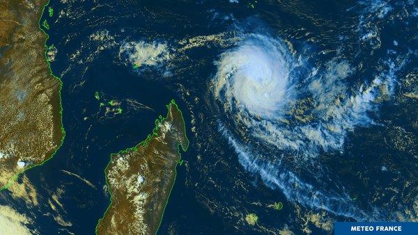 Le cyclone Alcide touche les Mascareignes