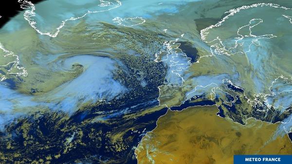 Enchainement de perturbations océaniques.