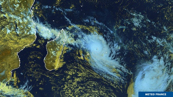 Cyclone GELENA sur les Mascareignes