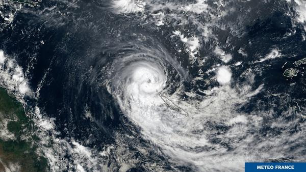 Le cyclone tropical Uesi à l'assaut de la Nouvelle-Calédonie