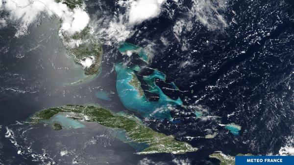Eau turquoise dans la Mer des Caraïbes
