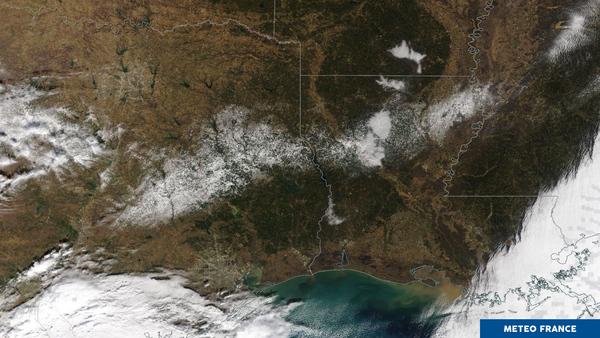 Une diagonale de neige tout au sud des États-Unis