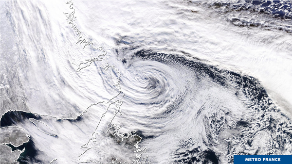 Enroulement nuageux au-dessus des eaux glaciales du Labrador