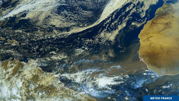 Un gigantesque nuage de sable du Sahara traverse l'Atlantique