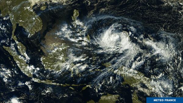 Tempete tropicale en Micronesie